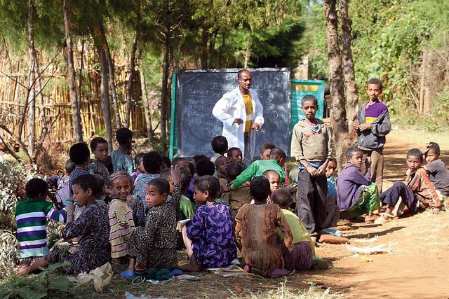 Communautary education