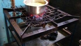 Cuisiner au biogaz 'réduit de moitié la fumée et ses substances toxiques'