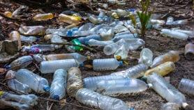 Faut-il accentuer le recyclage des bouteilles en plastique ?
