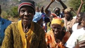 COVID-19 : La structure sociale protège les personnes âgées en Afrique