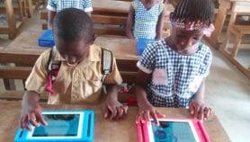 La COVID-19 provoque le boom du télé-enseignement en Afrique