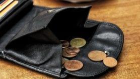 La COVID-19 fait chuter les revenus des habitants des pays d'Afrique