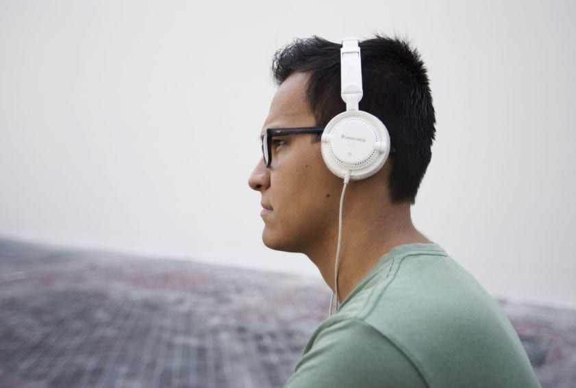 chico audífonos Crédito-JudithCastro-UdG