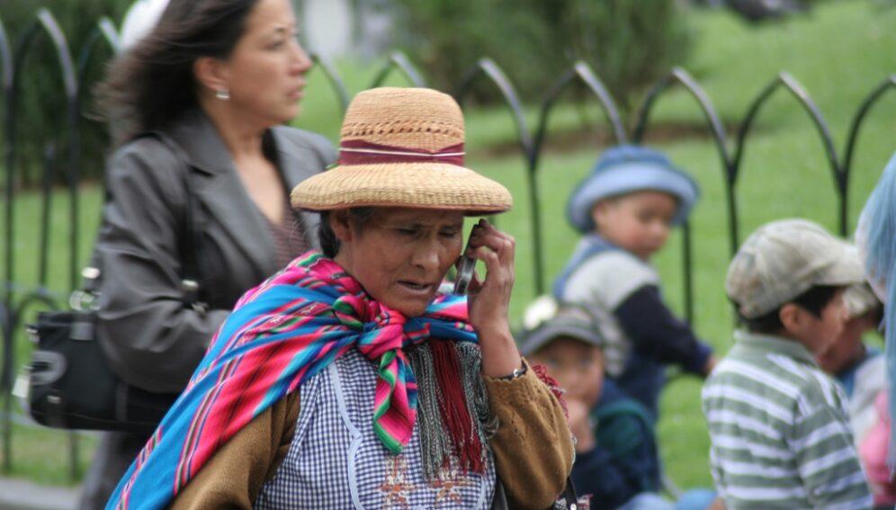 indígena celular by CAN