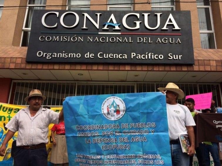 méxico, protestas en conagua by La minuta-educaoaxaca.org.jpg