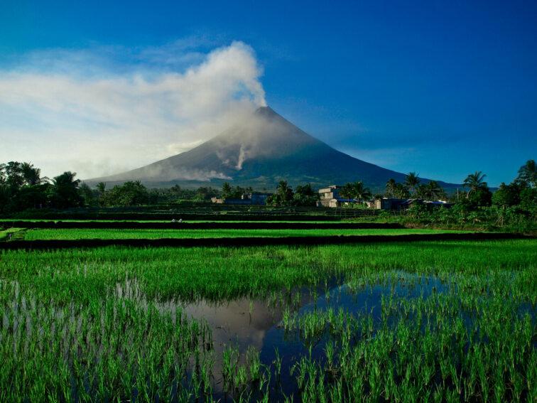 Volcano_Flickr_IRRI Images