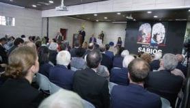 Colombia discute política de ciencia y tecnología poco ambiciosa