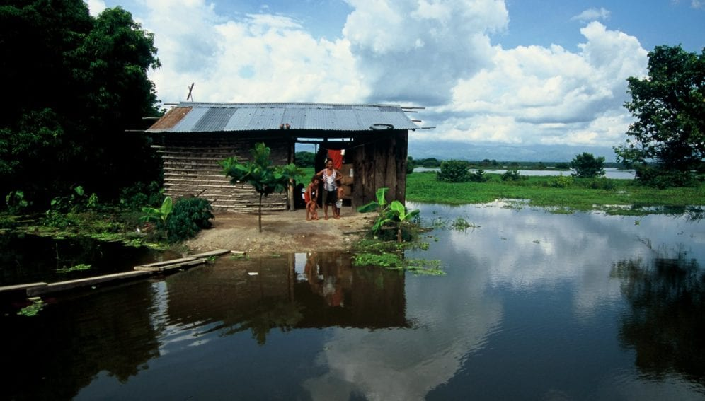 pueblo amazonico by Scott Wallace