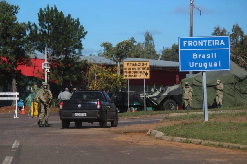 No final de 2020, foram impostas restrições à movimentação humana entre Brasil e Uruguai, o que teria levado à diferenciação genética das cepas de cada lado da fronteira