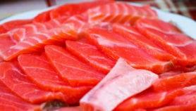 Rotulan trucha como salmón en sushi de Chile