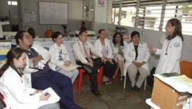 Advierten sobre peligros del sexismo en medicina