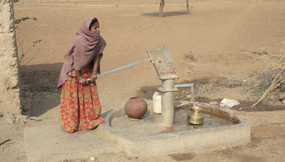 woman drought - main