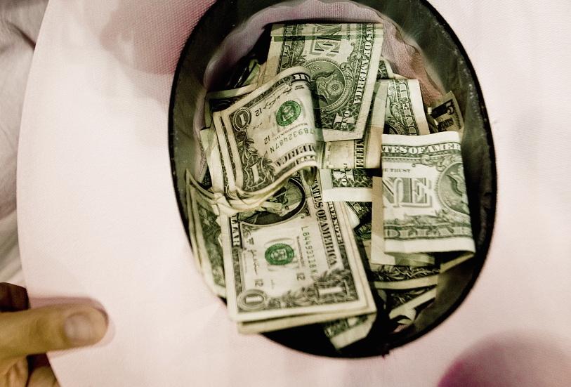 dollar_bills_Piotr_Malecki_Panos