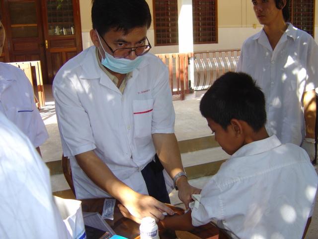hepatitis_immunization_flickr_cambodia4kidsorg_640x480