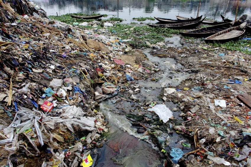water_pollution_GMB_Akash_Panos