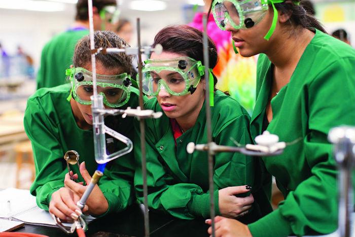 Women in science labs editorial.jpg