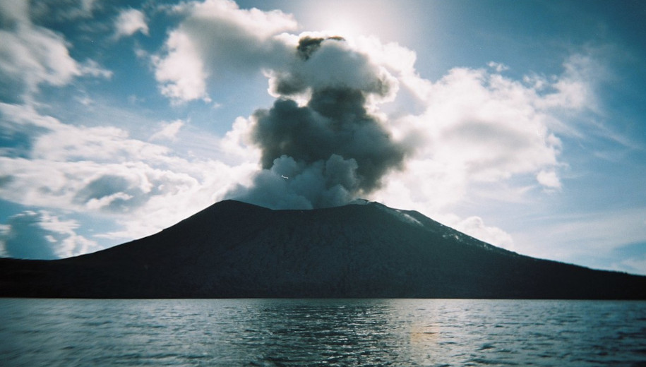 Tavurvur volcanic eruption - main