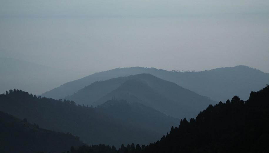 File source: https://commons.wikimedia.org/wiki/File:Foothills_of_Himalayas,_Darjeeling_(8131394172).jpg