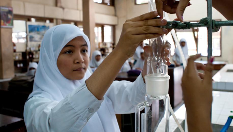 chemistry student - main