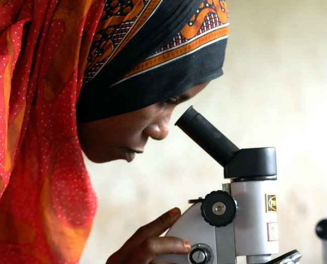 WomanScientist_Tanzania_Flickr_USAID_Images_2848x4288