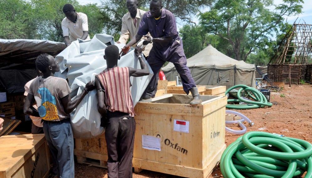 Aid Distribution_Flickr_Alun McDonald_Oxfam