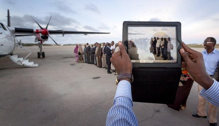iPad in Somalia_Petterik Wiggers_Panos