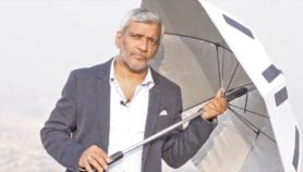 Smart' umbrella to keep Hajj pilgrims cool and connected