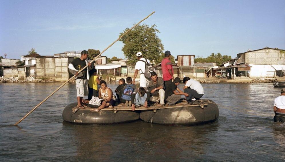 Migration children raft LAC.jpg
