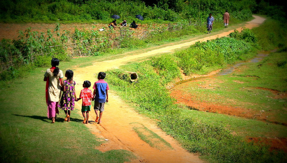 File source: http://commons.wikimedia.org/wiki/File:Village_children_in_Bangladesh.jpg