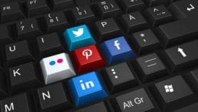 هجمة على الأخبار الزائفة بمواقع التواصل الاجتماعي