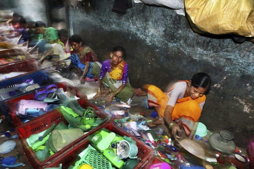 Women Sorting Plastic_Dieter Telemans_Panos